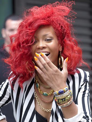 5ae2a_rihanna-red-hair-styles-2