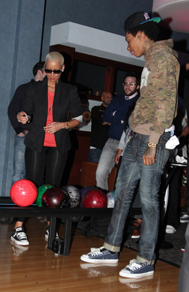 amber rose and wiz khalifa engaged. amber rose wiz khalifa married