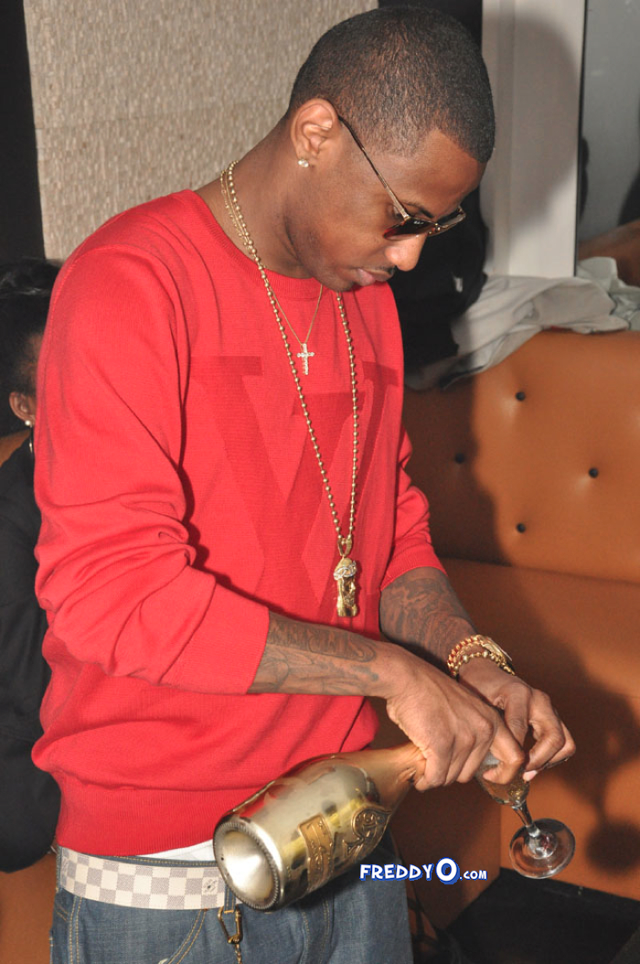 ski s restaurant lounge in atlanta ga he wore a red louis vuitton