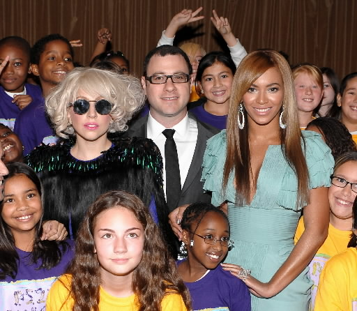 Lady-Gaga-and-Beyonce