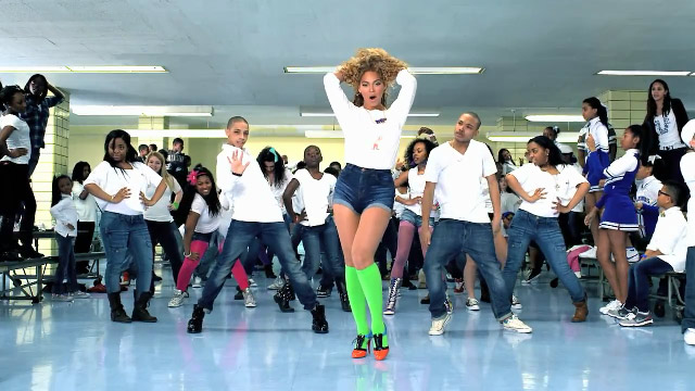 Beyonce-Move_Your_Body-music_video