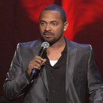 Mike Epps Gets Served Papers During His Show
