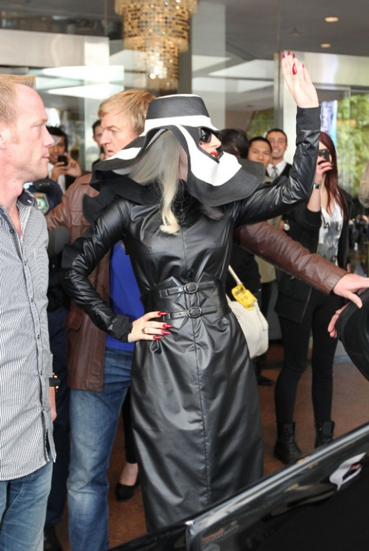 gaga-leaves-sydney-7