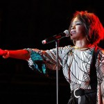 "Lauryn Hill And Nas Perform ""If I Ruled The World (Imagine That)"""