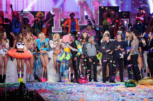 Nicki+Minaj+2011+Victoria+Secret+Fashion+Show+mulSrrfcjTGl