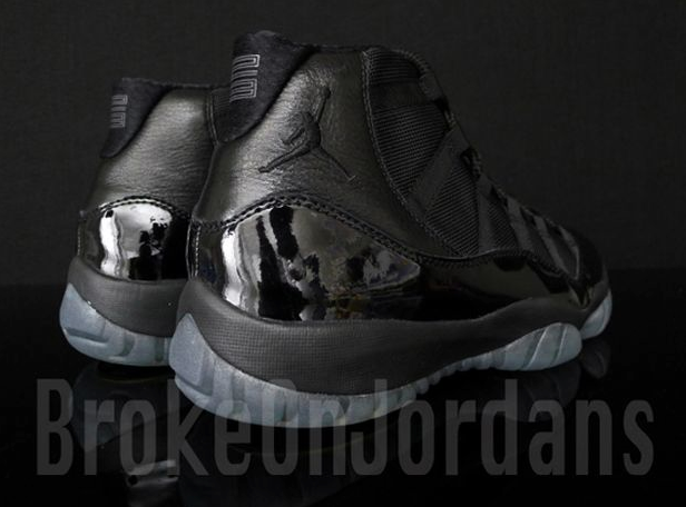 air-jordan-xi-blackout-212