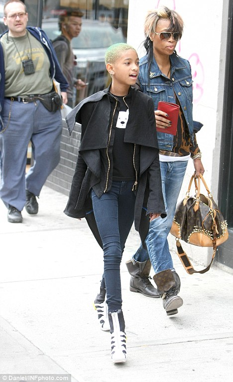 Willow-Smith-wears-wedged-trainers-origami-style1