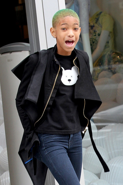 Willow-Smith-wears-wedged-trainers-origami-style4