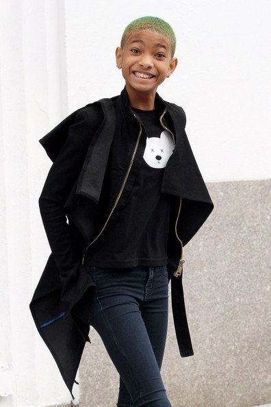 Willow-Smith-wears-wedged-trainers-origami-style4343