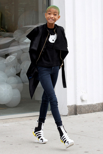 Willow-Smith-wears-wedged-trainers-origami-style64