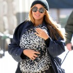 Beyonce New Movie : Beyonce Caught Breastfeeds Blue Ivy in Public