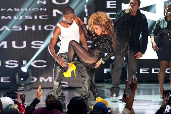 lil-kim-bet-rip-the-runway-2012-hot