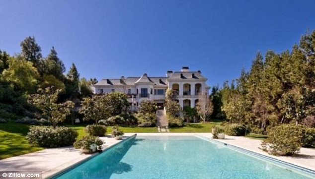the-home-were-michael-jackson-died-for-sale-for-23-million-photos4