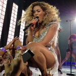 beyonce-on-stage-for-first-concert-as-a-momjay-z-calls-her-best234
