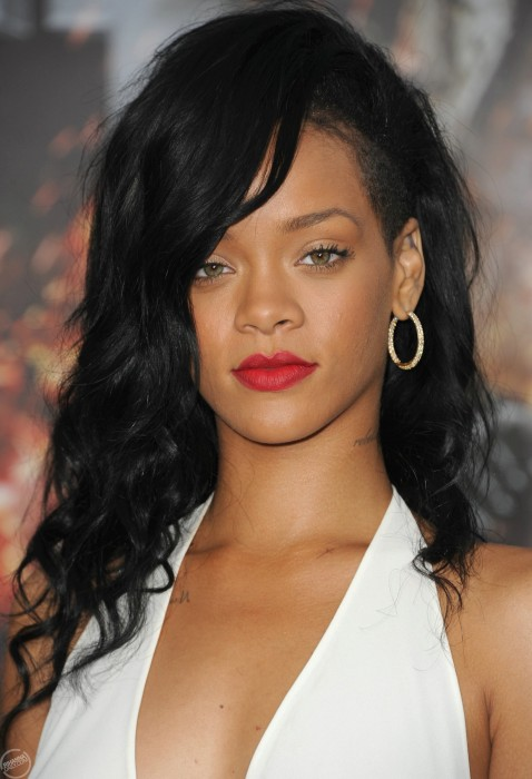 rihanna-confirms-new-fashion-line-photos-battleship-la-premiere1232