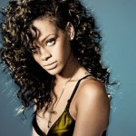 rihanna-performs-on-saturday-night-live-with-special-guest-eli-manning3