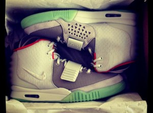 celebrities-nike-air-yeezy-2-0