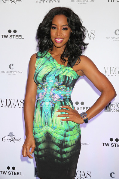 photos-kelly-rowland-lala-anthony-spotted-at-vegas-magazine-9th-aniv-party-in-las-vegas4