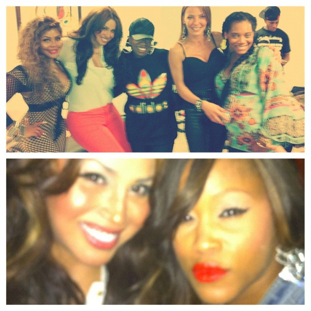 somaya-reece-backstage-with-lil-kim-eve-yandy-missy-elliott