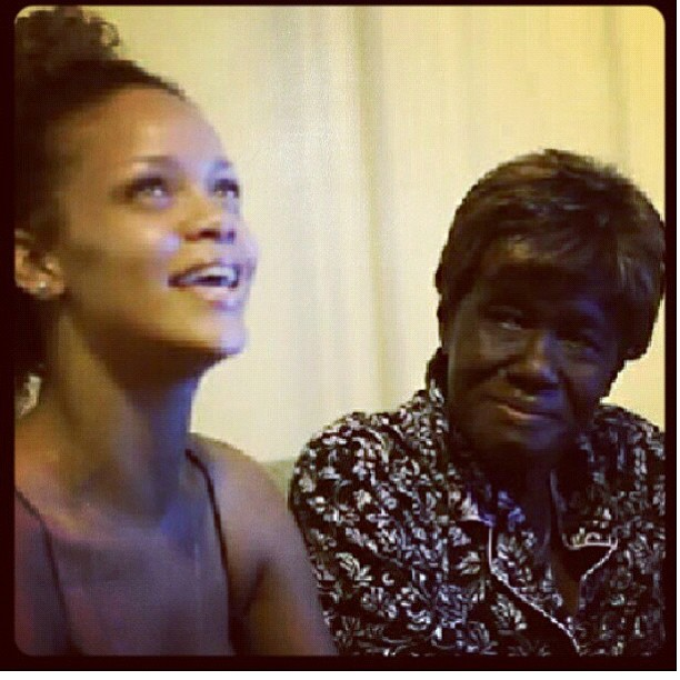 rihanna-mourns-lost-of-beloved-grandmother-who-from-cancer2