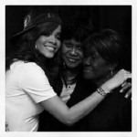 rihanna-mourns-lost-of-beloved-grandmother-who-from-cancer3432