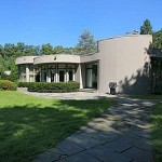 whitney-houstons-new-jersey-home-where-she-married-bobby-brown2