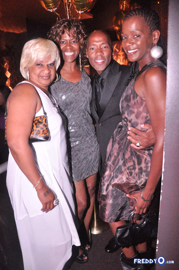 neyo-throws-his-mom-a-50th-birthday-bash1