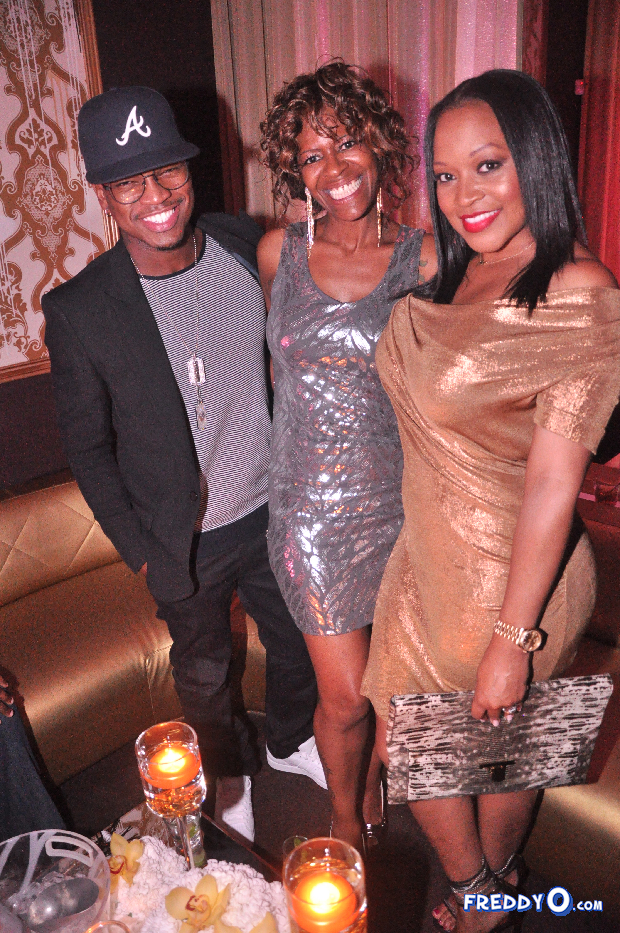 neyo-throws-his-mom-a-50th-birthday-bash231