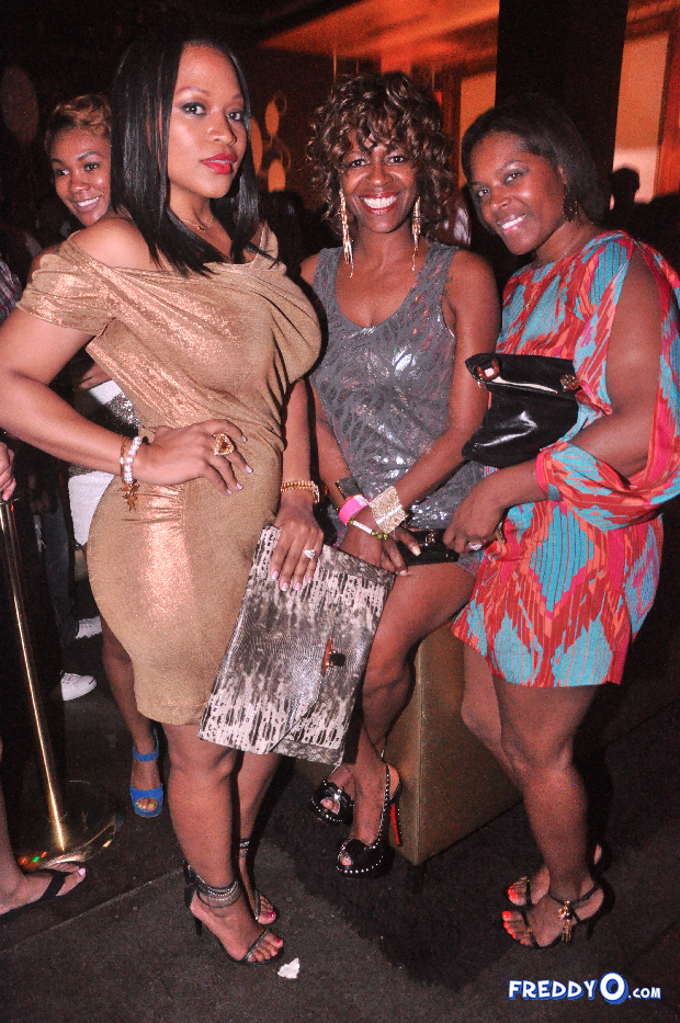 neyo-throws-his-mom-a-50th-birthday-bash24