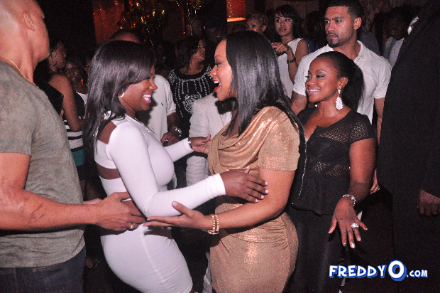neyo-throws-his-mom-a-50th-birthday-bash3564