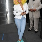nicki-minaj-arrives-at -american-idol-set-as-judge