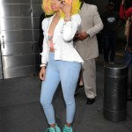 nicki-minaj-arrives-at -american-idol-set-as-judge2