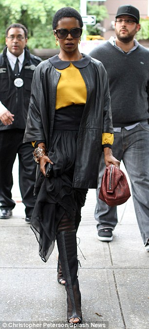 photos-ll-cool-sean-diddy-combs-busta-rhyme-mary-j-blige-missy-elliott-lauryn-hill-more-attend-chris-lightys-funeral6
