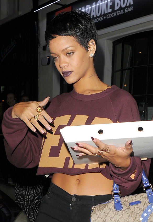Gallery For &gt Rihanna Stomach Tattoo
