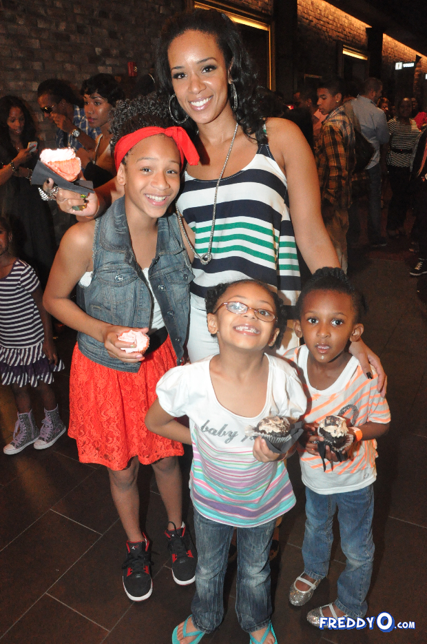 t-i-and-tiny-hosts-exclusive-a-family-hustle-premiere-with-celeb-friendsDSC_0185