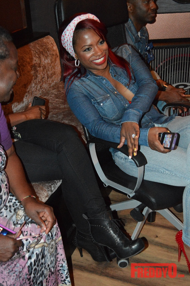 kandi-burruss-holds-post-tweet-talks-at-the-kandi-factory32421341