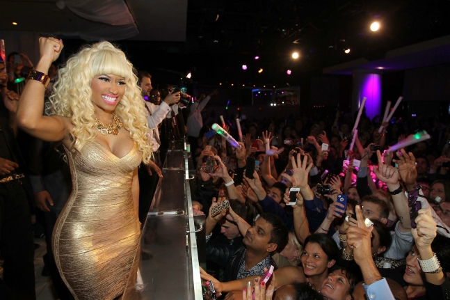 nicki_minaj_performance_2_pure_nightclub-1
