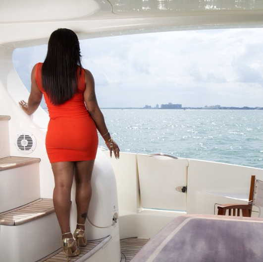 toya-wright-yacht-photo-shoot