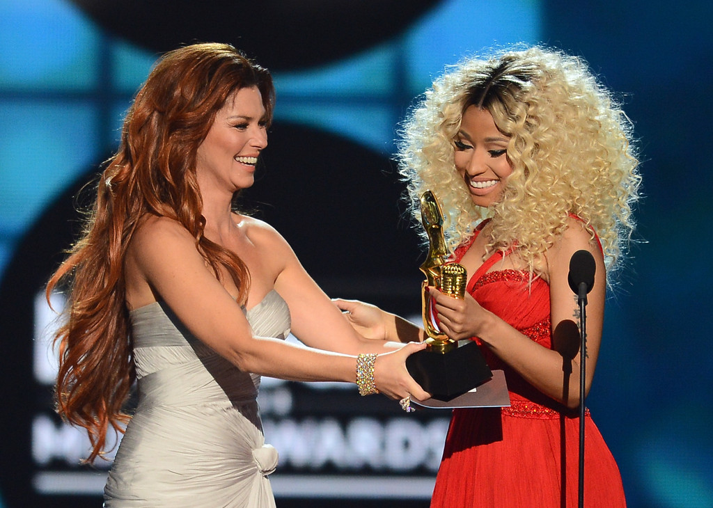 2013-billboard-awards-photos-performances-hosted-by-tracy-morgan1