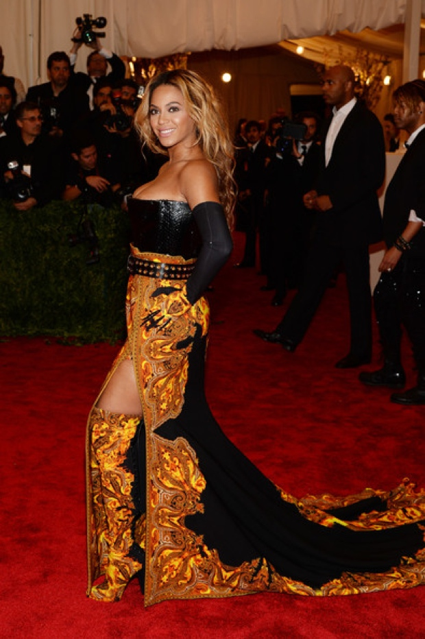 Beyoncemet-gala-2013-red-carpet-photos