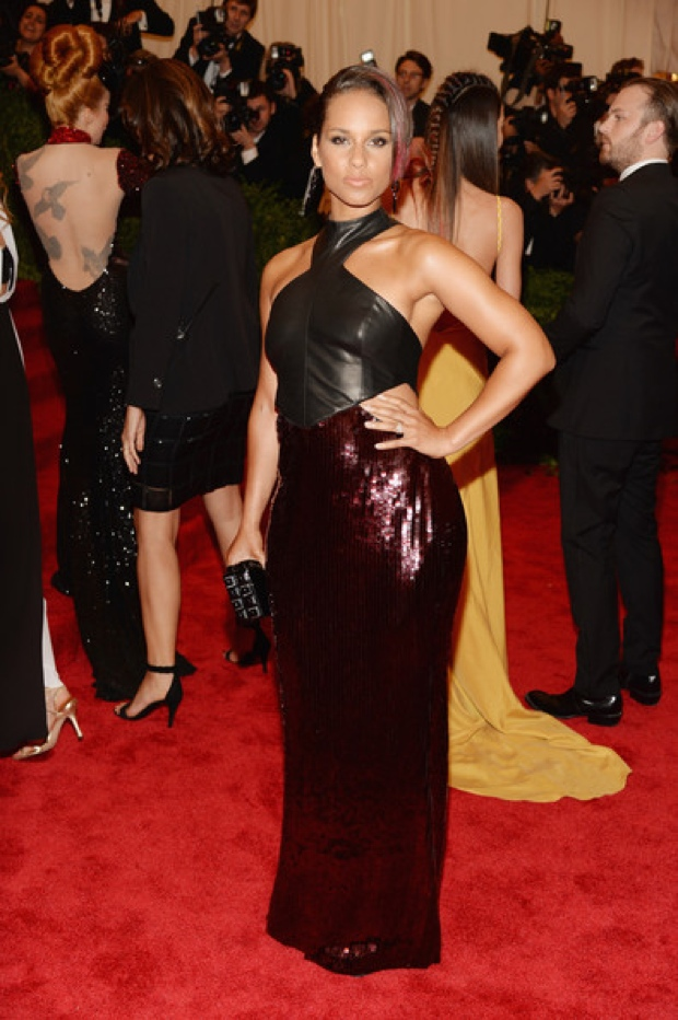 Beyoncemet-gala-2013-red-carpet-photos324354