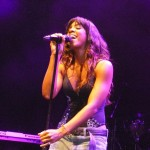 """Video: Kelly Rowland's Emotional Performance of """"Dirty Laundry"""" in DC"""