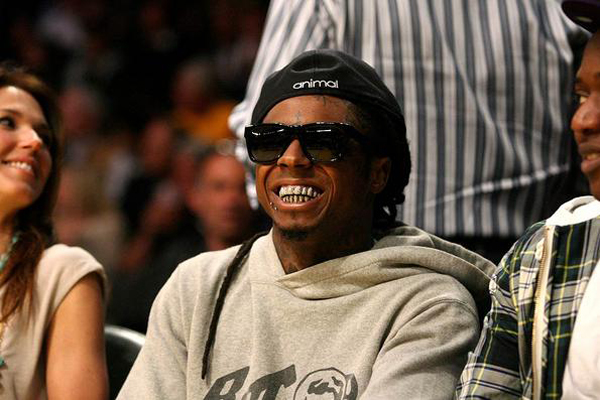 Lil Wayne out at the Lakers game.