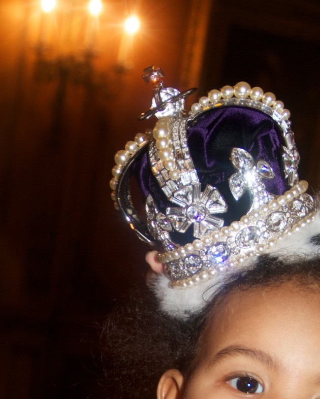 blue-ivy-wears-a-crown