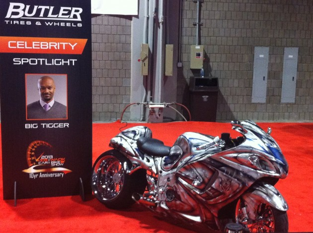 v-103-waok-car-and-bike-show-10th-anniversary-big-tigger-bike-freddy-o