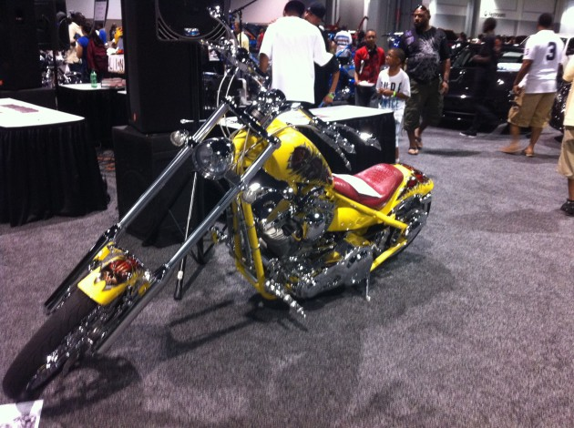 v-103-waok-car-and-bike-show-10th-anniversary-pic4-freddy-o