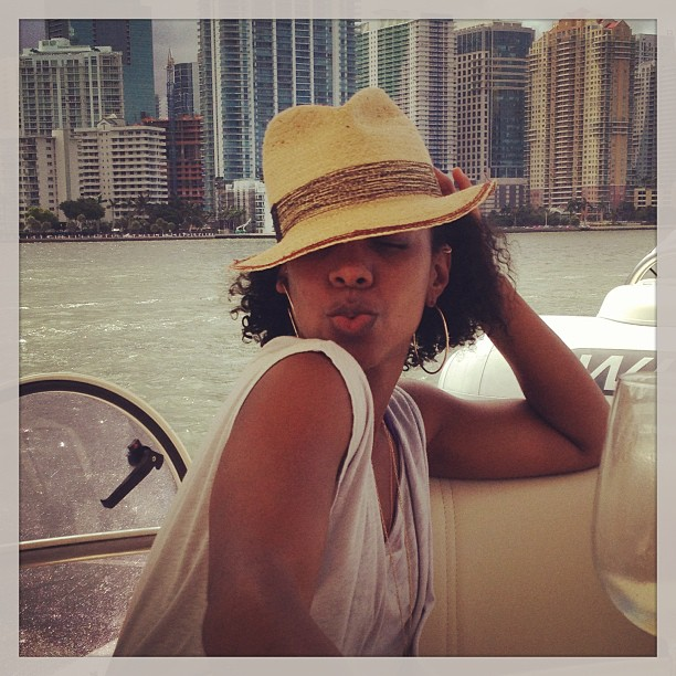 coast-guard-rescues-rented-boat-with-kelly-rowland-on-board1