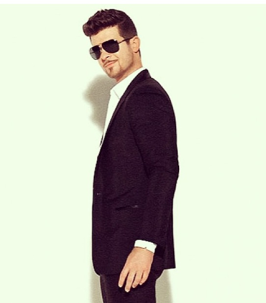 robin-thicke-blurred-lines-video-screenshot-freddy-o