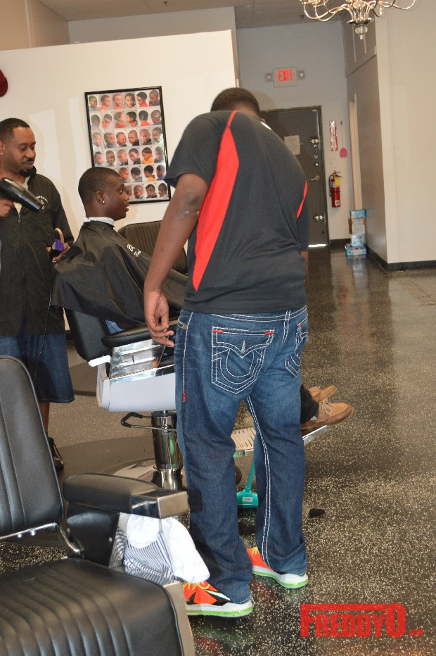 nene-leakes-husband-gregg-opens-the-1-st-of-his-new-barber-shop-chainDSC_0642