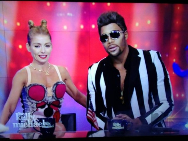 kelly-&-michael-as-miley-cyrus-robin-thicke